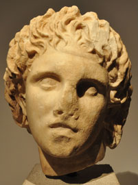 Κεφαλή του Μ. Αλεξάνδρου από τις Αιγές.