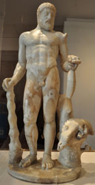 Γλυπτή απεικόνιση του Ηρακλή που εισάγει την έκθεση για τους Μακεδόνες των Αιγών στο Μουσείο Ashmolean.