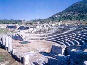 Το «Διάζωμα»… υιοθετεί τα 134 αρχαία θέατρα της χώρας