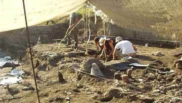 Από την πανεπιστημιακή ανασκαφή στο Δισπηλιό Καστοριάς (Εικ.: Γ. Χουρμουζιάδης)