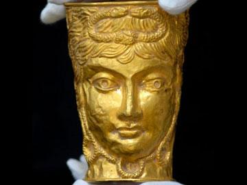 Πολύτιμο κύπελλο, 2.500 ετών, πουλήθηκε σε δημοπρασία