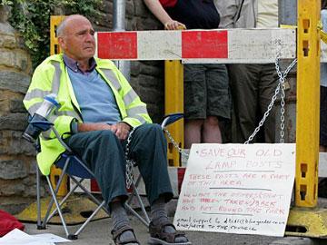 Aρχαιολόγος σε απεργία πείνας στο Μπρίστολ της Μ. Βρετανίας