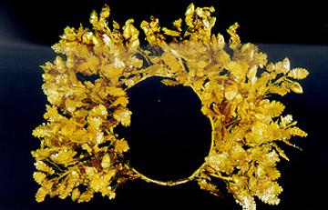 Ακόμα ένα ολόχρυσο στεφάνι στη Βεργίνα - Αρχαιολογία Online 4043f7538b6