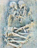Σκελετοί εραστών βρέθηκαν θαμμένοι αγκαλιά κοντά στην πόλη Μάντοβα της Ιταλίας.