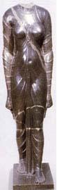 Η αιγυπτιάζουσα φιγούρα γυναίκας που κρατάει 'ankh' παραπέμπει στη θεά Ίσιδα ή σε βασίλισσα και βρέθηκε στην Αλεξάνδρεια.