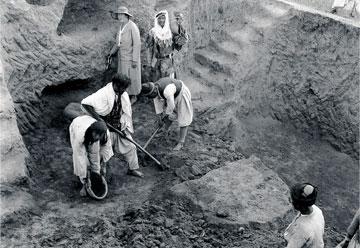 Η Άγκαθα Κρίστι στην ανασκαφή του Chagar Bazar στη βορειοανατολική Συρία (1935-1937).