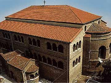 Ο ναός της Παναγίας Αχειροποιήτου στη Θεσσαλονίκη.
