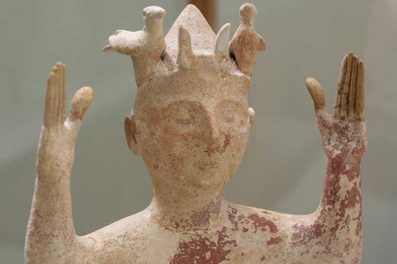 Πήλινο ειδώλιο από το Γάζι. 1300-1100 π.Χ. Αρχαιολογικό Μουσείο Ηρακλείου.