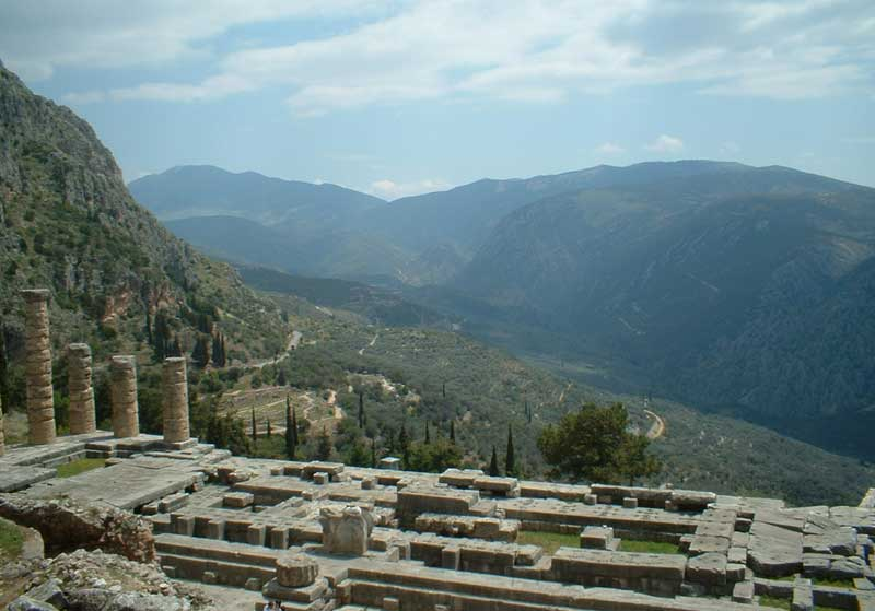 Ο αρχαιολογικός χώρος των Δελφών.