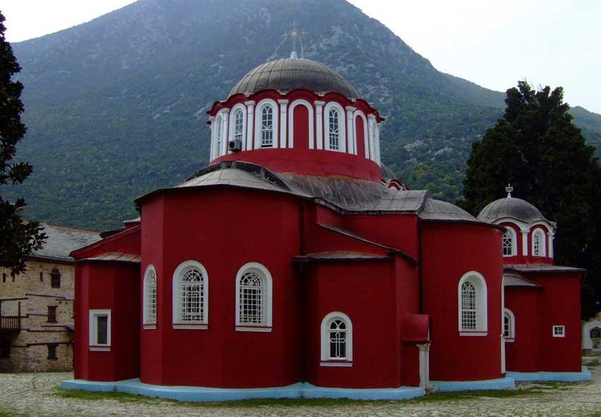 Το Καθολικό της Ιεράς Μονής Μεγίστης Λαύρας.