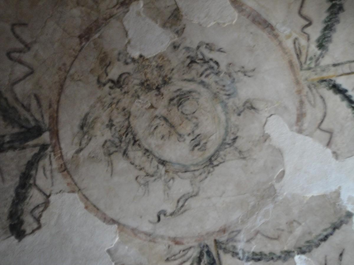 Ο κλασικός πολιτισμός σε όλο το εύρος του θα μελετηθεί στο Τρέντο και τη Μπολόνια. Στην εικόνα, γραπτή διακόσμηση σε τάφο της Αλεξάνδρειας (ελληνορωμαϊκή περίοδος).