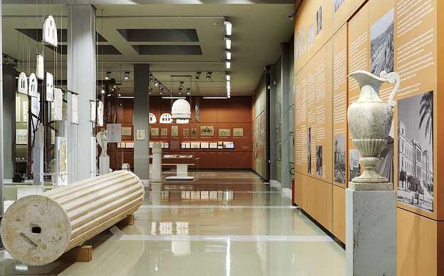 Άποψη του εσωτερικού του Μουσείου Μαρμαροτεχνίας Τήνου.