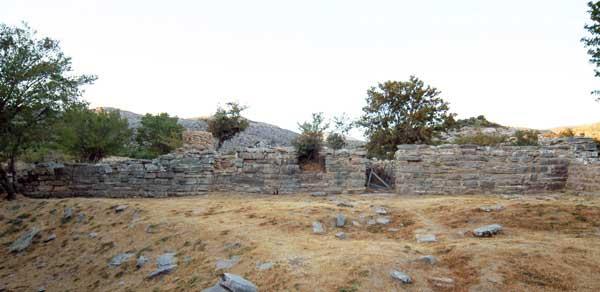 Η βόρεια πρόσοψη του κεντρικού κτιρίου στη Ζώμινθο (φωτ. archaeology.org).