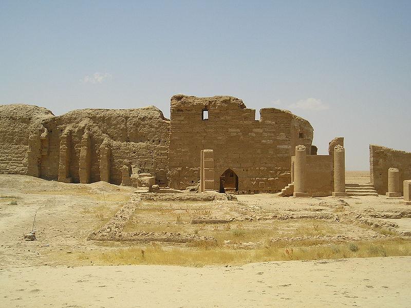Ερείπια ναού στη Δούρα-Ευρωπό.