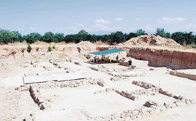 Ένας από τους χώρους ανασκαφών της αρχαίας Ελίκης.