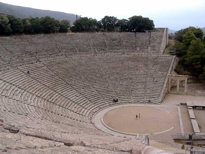 Το αρχαίο θέατρο της Επιδαύρου.