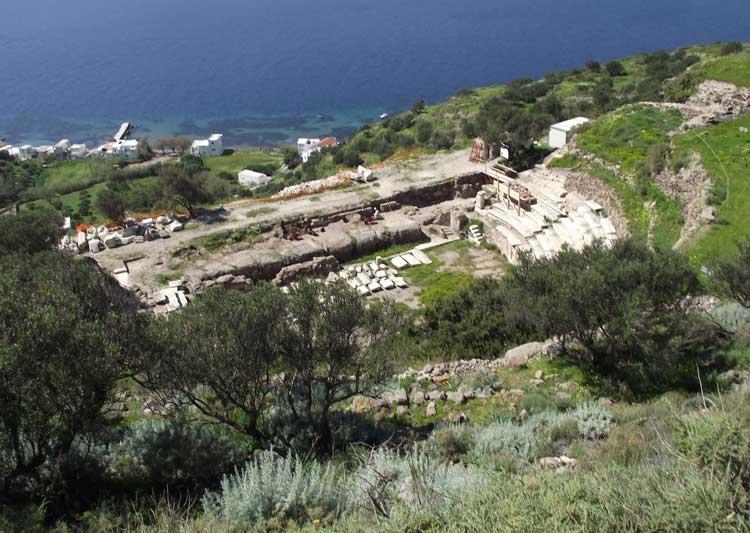 Το αρχαίο θέατρο της Μήλου.