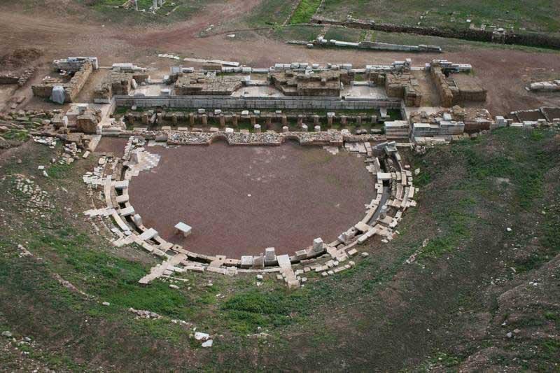 Το θέατρο της Αρχαίας Μεσσήνης.