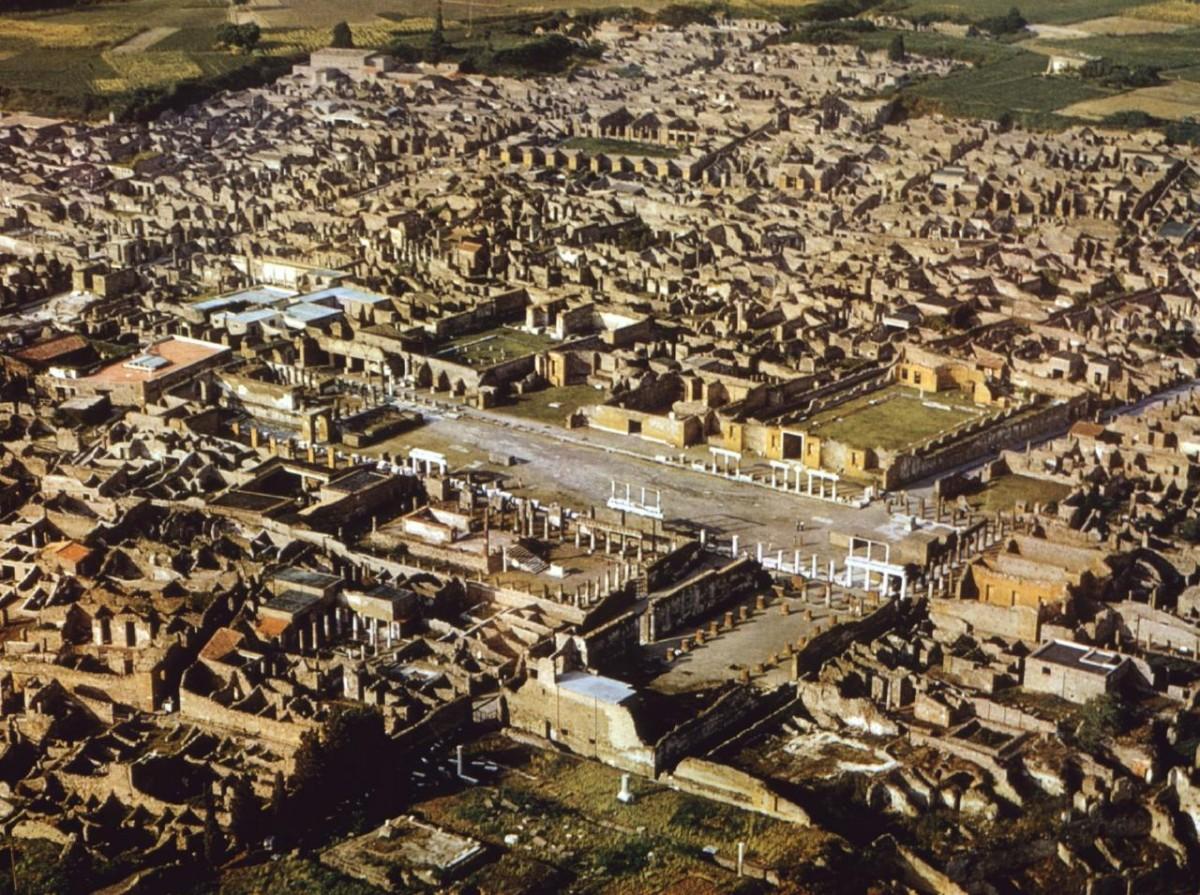 Η Πομπηία (αεροφωτογραφία).