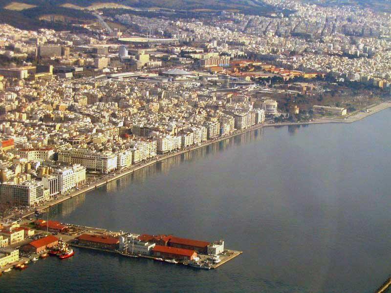 Η Θεσσαλονίκη από ψηλά (φωτ.: www.touristmaker.com/greece/climate/).