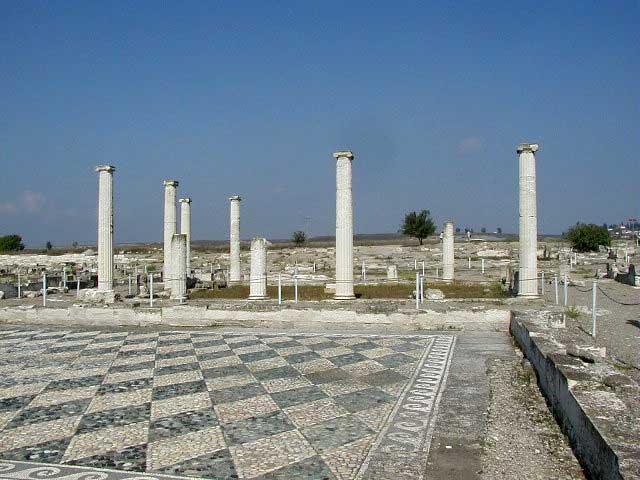 Άποψη του αρχαιολογικού χώρου της Πέλλας.