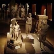 O Εγκέλαδος απειλεί τα τουρκικά μουσεία