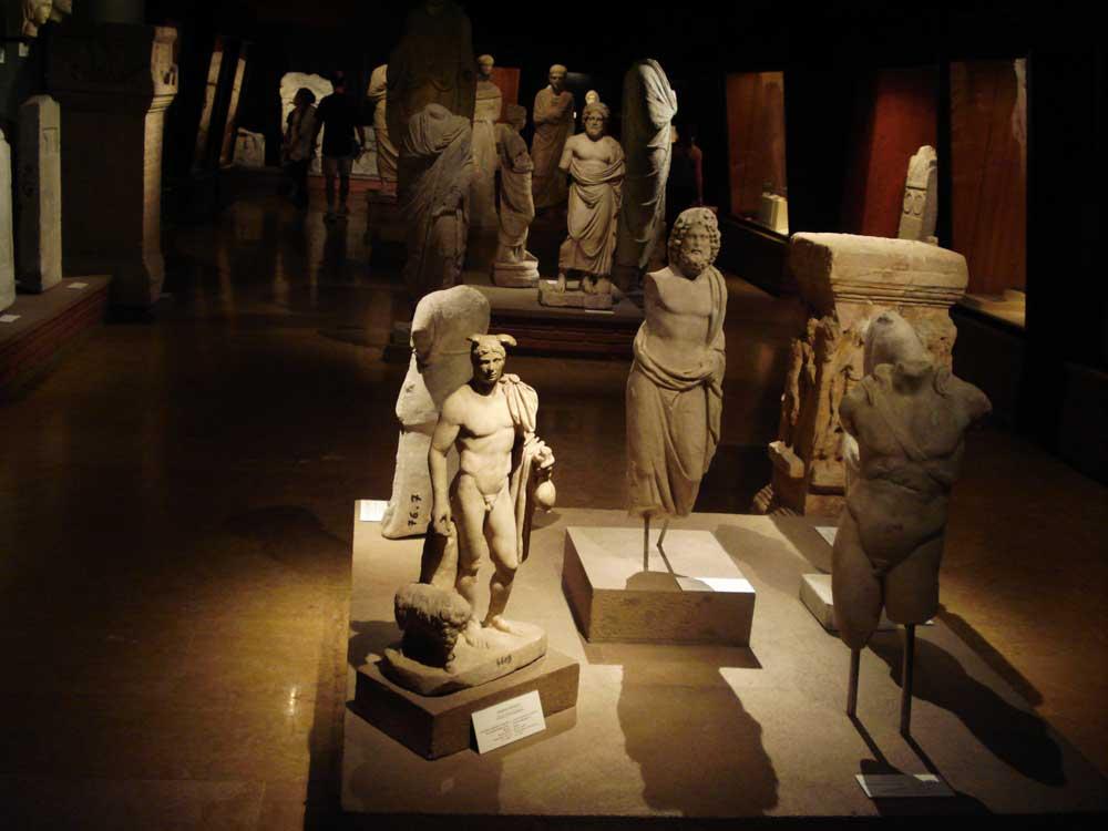 Αίθουσα του Αρχαιολογικού Μουσείου της Κωνσταντινούπολης.