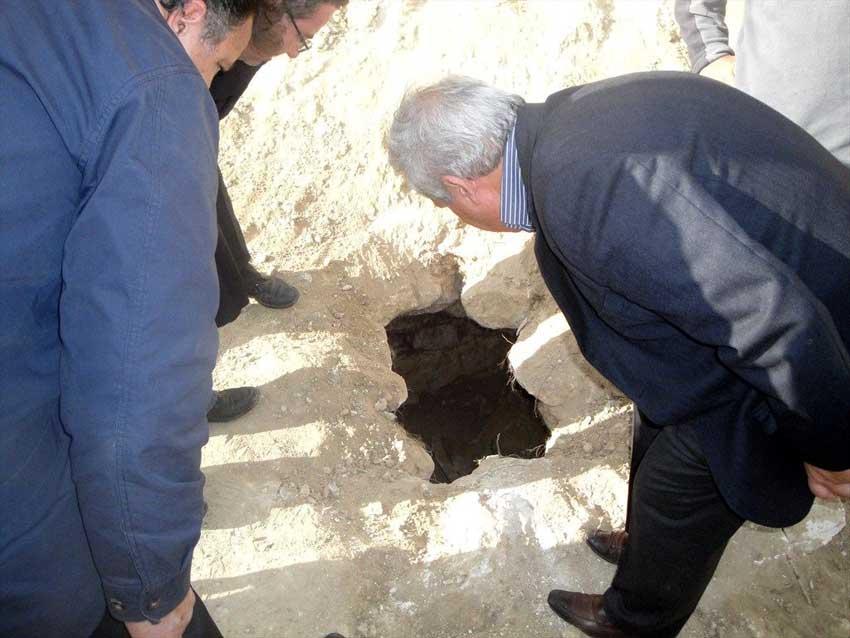 Ο αρχαίος τάφος που αποκαλύφθηκε στον Κρουσώνα Ηρακλείου.