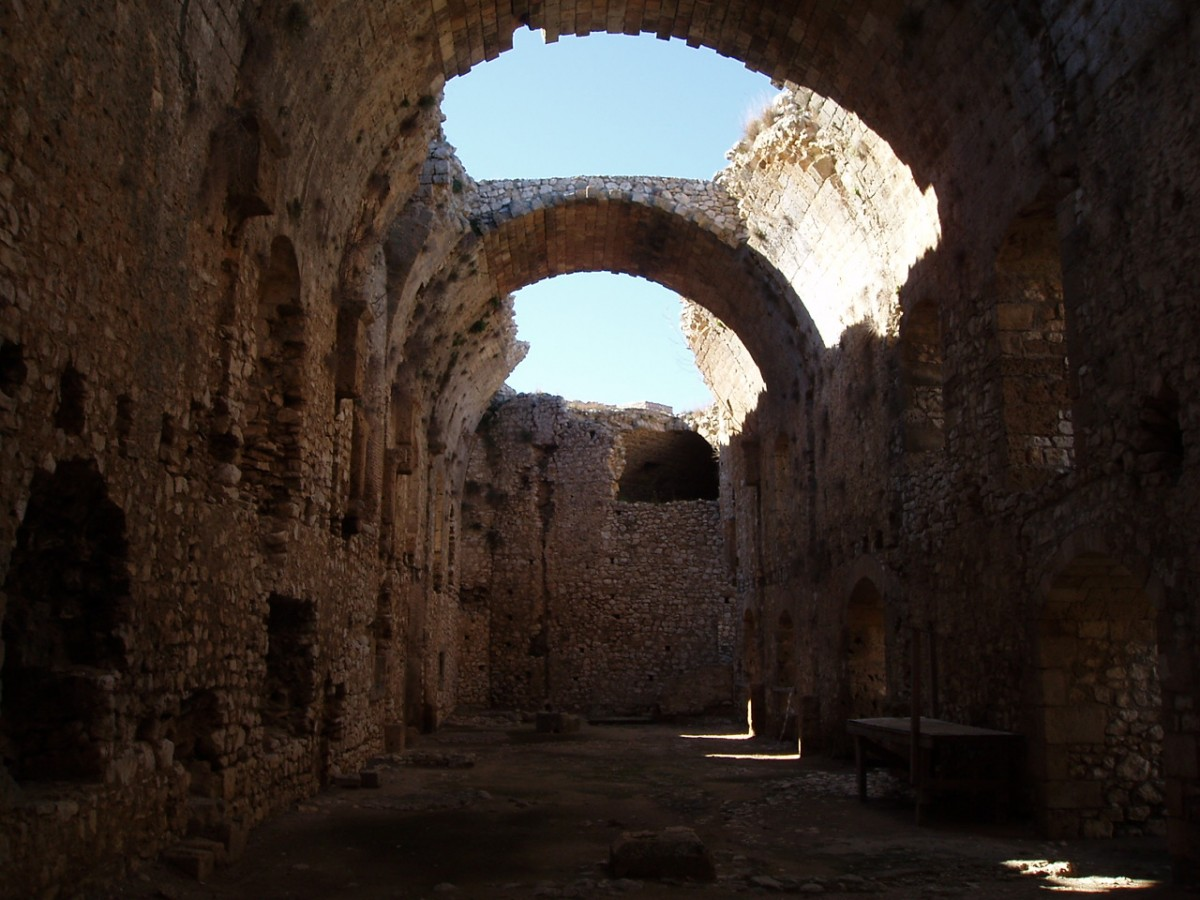 Αψίδες στο κάστρο Χλεμούτσι.