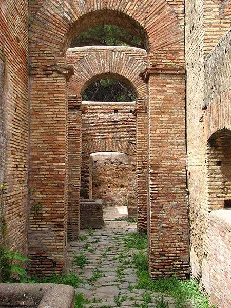Κτίριο στον αρχαιολογικό χώρο της Όστια.