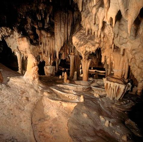 Το σπήλαιο του Περάματος στα Ιωάννινα.