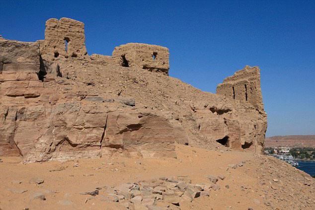Άποψη της θέσης Qubbet el - Hawa, κοντά στο Ασουάν, όπου υπάρχει αρχαία νεκρόπολη (2250 - 1800 π.Χ.)