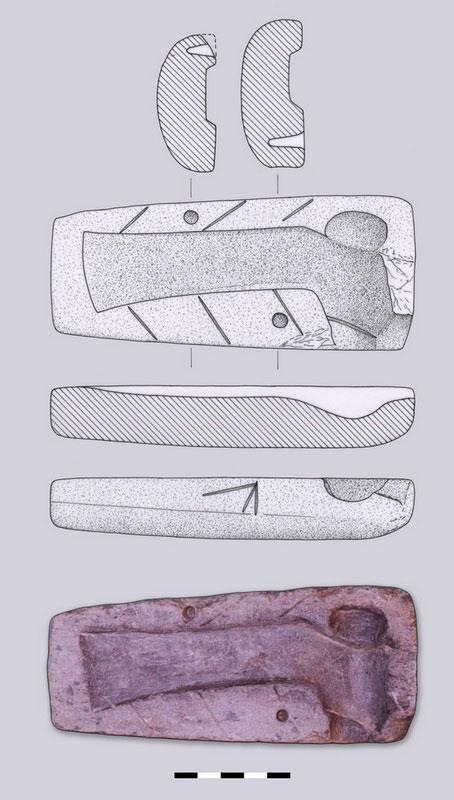 Εικ. 46. Η λίθινη μήτρα για την κατασκευή μονόστομων πελέκεων.