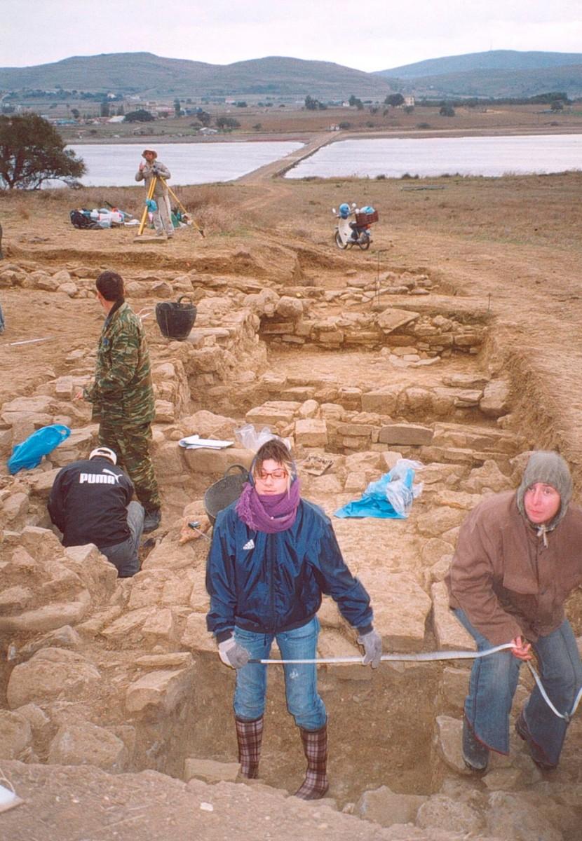 Εικ. 50. Ανασκαφικό στιγμιότυπο στην Τομή 9 (2005).