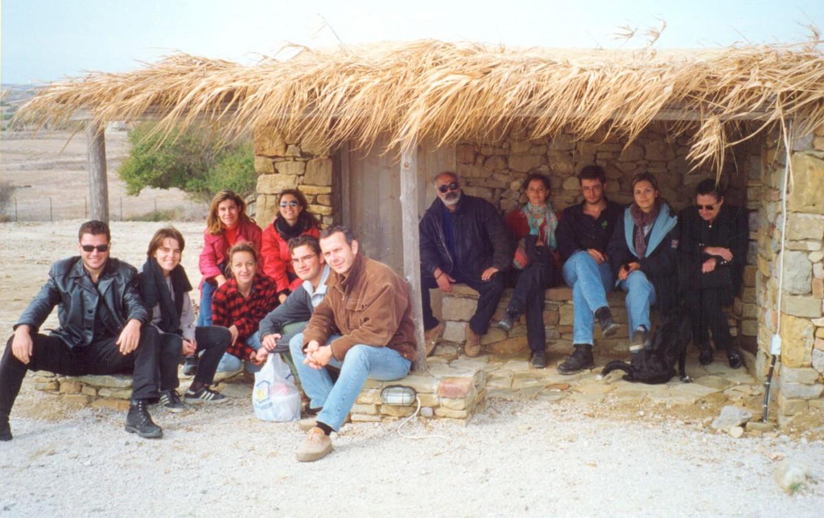 Εικ. 54. Επίσκεψη της ανασκαφικής ομάδας του 1999 στην Πολιόχνη.