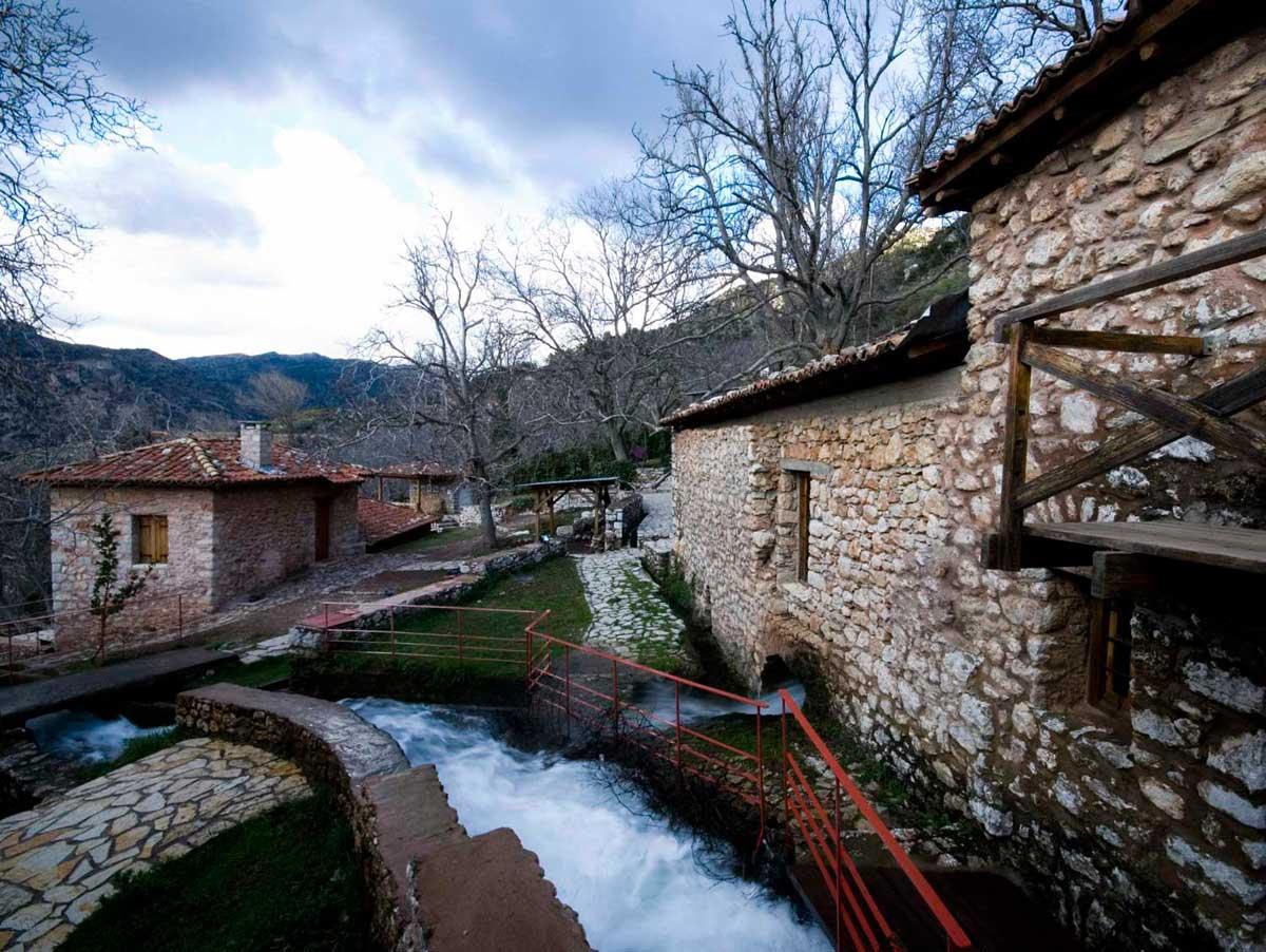 Άποψη του Υπαίθριου Μουσείου Υδροκίνησης στη Δημητσάνα. (© Φωτ. Θ. Κοττάς- Φωτογραφικό Αρχείο ΠΙΟΠ).