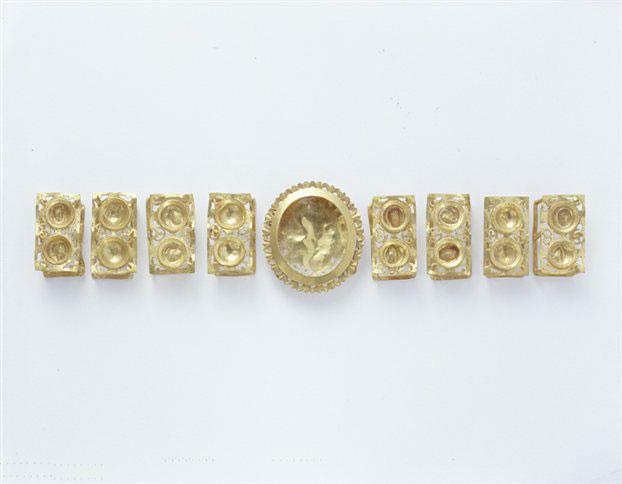 Περισσότερα από 400 αρχαία έργα από άργυρο, χρυσό, χαλκό, γυαλί και πηλό σε 4.500 χρόνια ιστορίας, συνθέτουν την κυπριακή συλλογή του Μουσείου Κυκλαδικής Τέχνης.