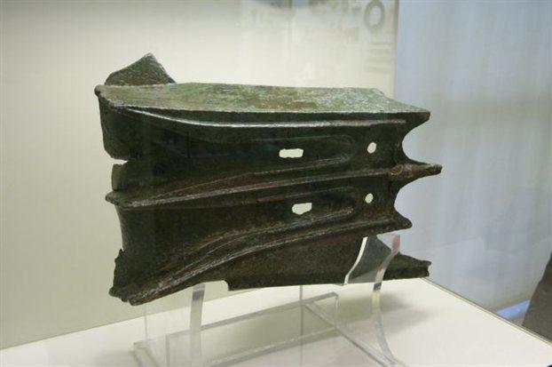 Έμβολο πλοίου. Κλασική περίοδος, Aρχαιολογικό Mουσείο Πειραιά.