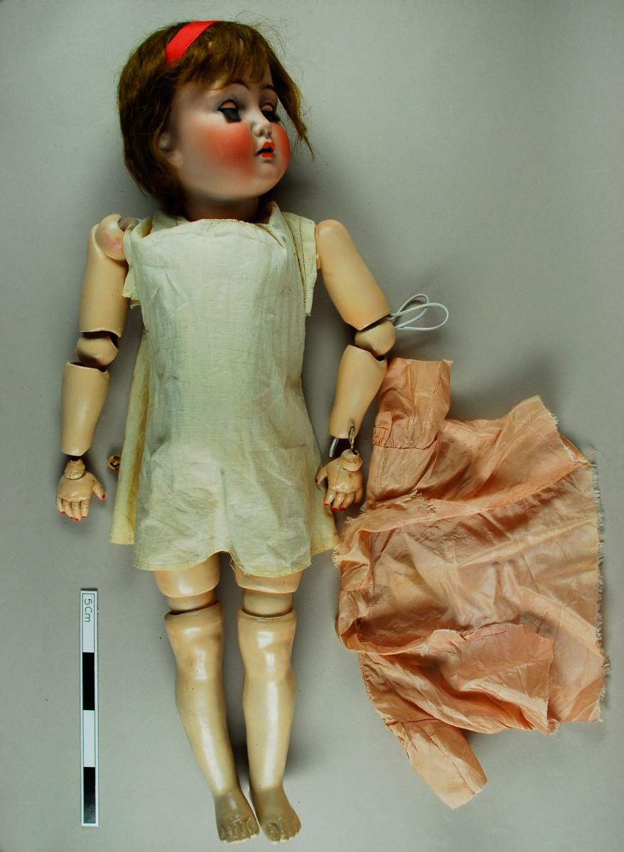 Εικ. 27. Π.Λ.Ι., αρ. ευρ. 1986.18.0031 A-Γ, bisque child doll, Simon and Halbig, η κούκλα πριν από τη συντήρηση.