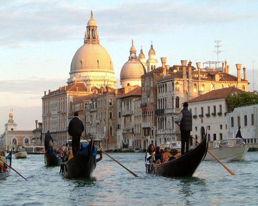 Γόνδολες στη Βενετία.