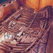 Αρχαίο πλοίο εκπέμπει SOS