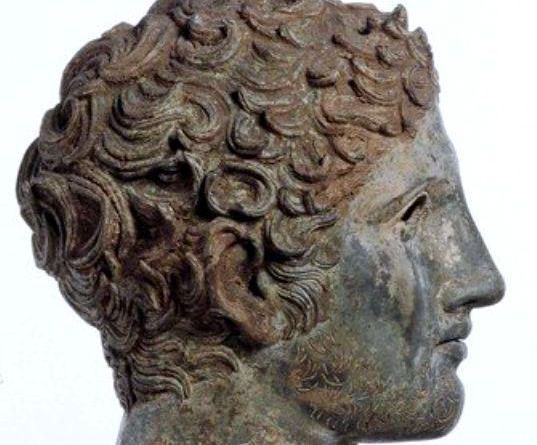 Το χάλκινο κεφάλι εφήβου από το Getty είναι ανάμεσα στα αντικείμενα που έχει ζητήσει να της επιστραφούν η Τουρκία.