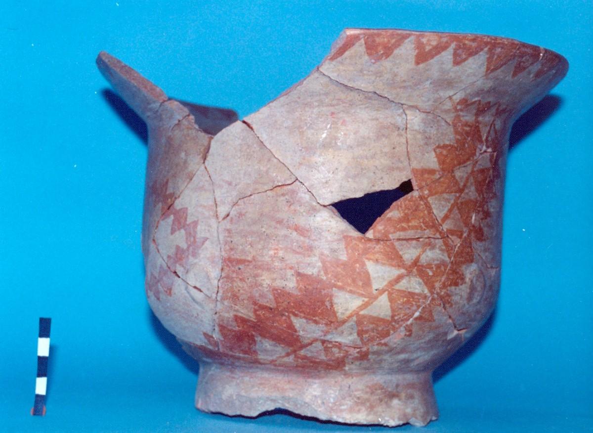 Εικ. 4. Βαρεμένοι Γουλών. Γραπτό αγγείο της Μέσης Νεολιθικής περιόδου.