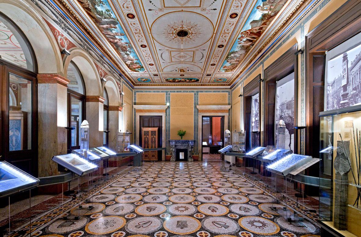 Η αίθουσα των «Εσπερίδων» του Ιλίου Μελάθρου.