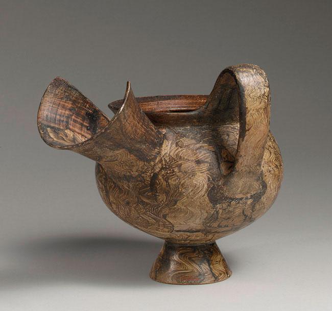 Πρόχους με υπερμεγέθες στόμιο. Σάρδεις, μέσα του 6ου αι. π.Χ. Μητροπολιτικό Μουσείο Τέχνης, Νέα Υόρκη.
