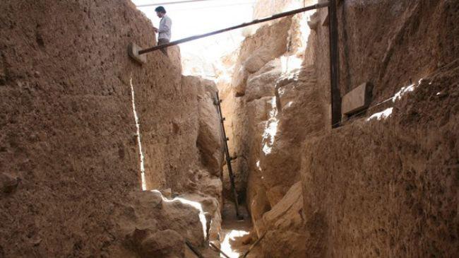 Ανασκαφές στους αποχετευτικούς αγωγούς της Περσέπολης.