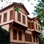Εγκαινιάστηκε η ανακαινισμένη πατρική οικία-μουσείο του Κεμάλ Ατατούρκ