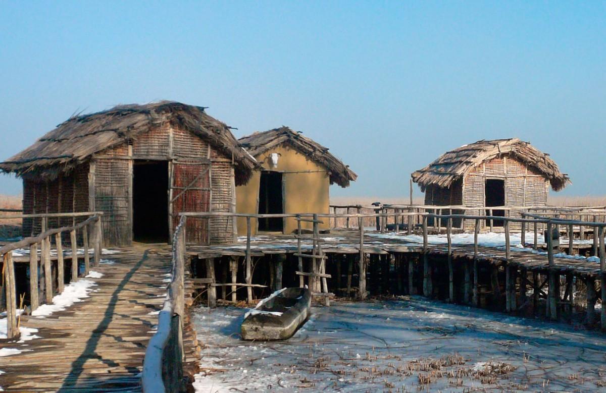 Από την αναπαράσταση του λιμναίου οικισμού στο Δισπηλιό.