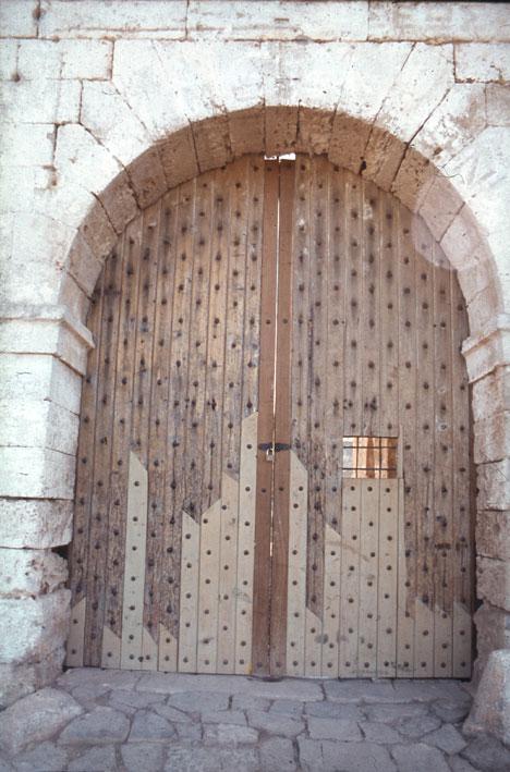 Εικ. 20. Η πύλη της ακρόπολης μετά τις εργασίες συντήρησης.