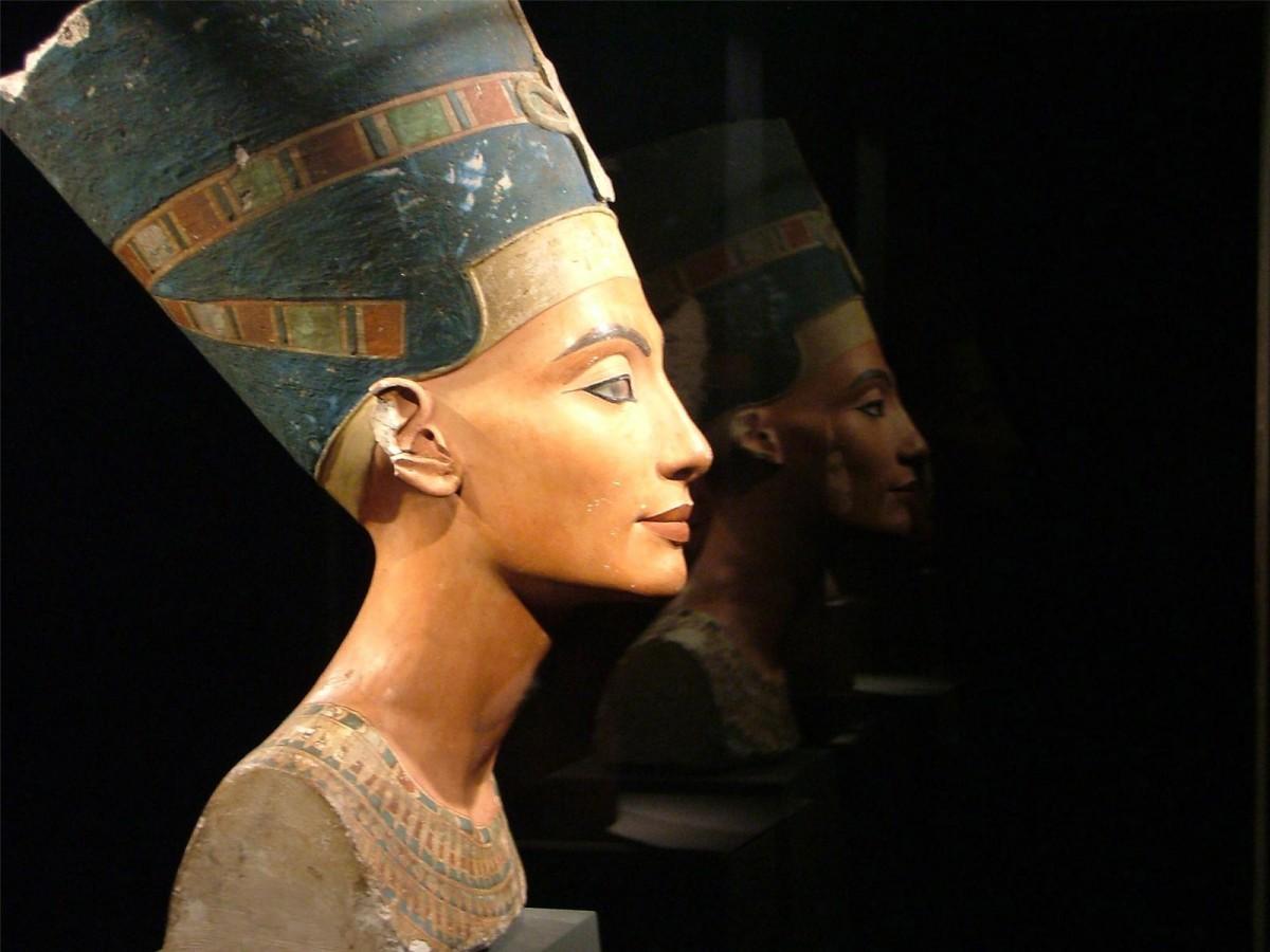 Η προτομή της Νεφερτίτης στο Αιγυπτιακό Μουσείο Βερολίνου.